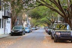 Straße in im Stadtzentrum gelegenem Charleston, South Carolina Stockfotografie