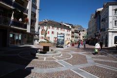Straße im Stadtzentrum sogar in Frankreich Stockbilder