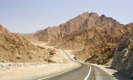 Straße im Wüste Rub Al Khali, UAE Lizenzfreies Stockfoto