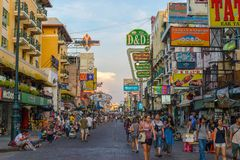 Straße Khao San, Bangkok, Thailand Lizenzfreie Stockbilder