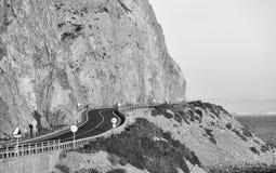 Straße lange Klippen Stockbild