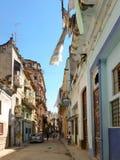 Straße mit Altbauten in Havana Stockfotografie