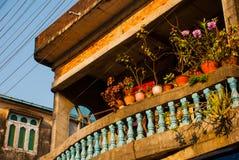 Straße mit Häusern Mawlamyine myanmar birma lizenzfreie stockfotografie