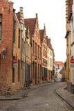 Straße mit historischen mittelalterlichen Gebäuden, Brügge, Belgien Lizenzfreies Stockfoto