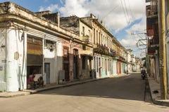 Straße mit Pastell farbigen Wohngebäuden Hanana Stockbild