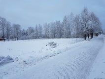 Straße mit Schnee stockfoto