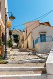 Straße mit Schritten in Sitia-Stadt, Kreta Lizenzfreie Stockfotografie