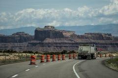Straße Moabs Utah zum Bogen-Naturschutzpark lizenzfreie stockfotografie