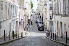 Straße in Montmartre, Paris Lizenzfreie Stockfotos