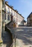 Straße nahe der Kathedrale von St Peter im Trier lizenzfreie stockfotografie