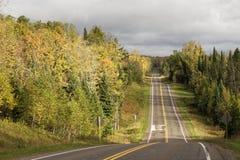 Straße in Nord-Wisconsin lizenzfreie stockfotografie