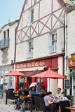 Straße Rue de la Marine in Stadt Le Croisic, Frankreich Stockbild