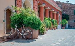 Straße in Santarcangelo di Romagna Italien Lizenzfreies Stockbild