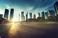 Straße in Shanghai-lujiazui finanziell lizenzfreie stockfotografie
