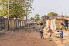 Straße in Stadt n Afrika Lizenzfreie Stockbilder