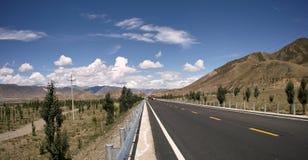 Straße in Tibet Lizenzfreie Stockfotografie