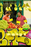 Straße trägt Kiosk, Monastiraki, Athen, Griechenland Früchte Lizenzfreie Stockbilder