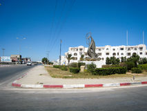 Straße und Kai in Tunesien im schönen Wetter im Juli 2013 Lizenzfreie Stockbilder