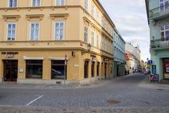 Straße und Kneipe in Pilsen Lizenzfreie Stockfotos