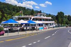 Straße und Pier in der Stadt von Thun, die Schweiz Lizenzfreies Stockbild