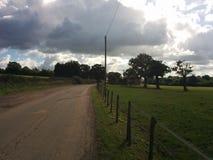 Straße von einem Pferdebauernhof stockfoto