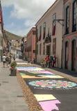 Straße von La Laguna mit Blumenteppichen Stockfotografie