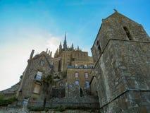 Straße von Mont Saint-Michel, Frankreich Lizenzfreie Stockfotografie