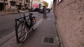 Straße von Paris Herbst stock video