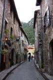 Straße von Villefranche de Conflent, Frankreich lizenzfreie stockfotos
