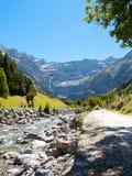 Straße zu Cirque de Gavarnie, Hautes-Pyrenäen, Frankreich stockfotografie