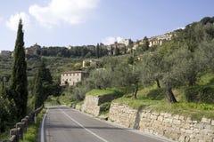 Straße zu Cortona Lizenzfreie Stockbilder