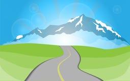 Straße zu den Bergen Stockfotos