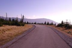 Straße zu den Hügeln Stockfotografie