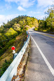 Straße zu den Hügeln Lizenzfreies Stockfoto