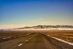 Straße zu Gobi-Wüste Stockfotografie