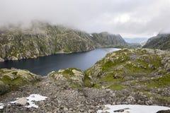 Straße zu Haugesund in Norwegen lizenzfreie stockfotografie