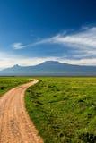 Straße zu Kilimanjaro Stockfoto