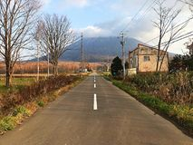 Straße zu Mini Fuji-Berg stockfotografie
