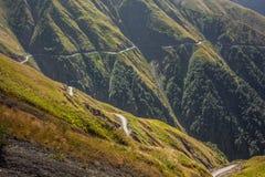 Straße zu Omalo - eine der gefährlichsten Straßen in der Welt Stockbilder
