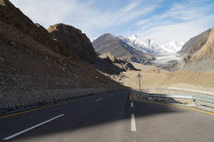 Straße zu Pasu-Gletscher in Nord-Pakistan Lizenzfreie Stockfotos
