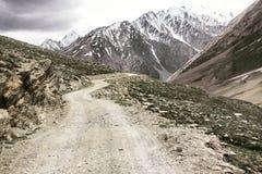 Straße zu Zanskar Lizenzfreies Stockfoto