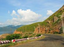Straße zum Berg in Betrug Dao-Insel Stockfoto