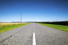 Straße zum Horizont lizenzfreie stockbilder