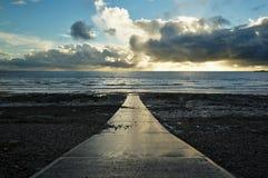 Straße zum Meer in Wales stockfoto