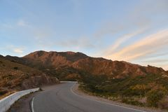 Straße zum ` ` Mirador de la Punta San Luis, Argentinien lizenzfreies stockbild