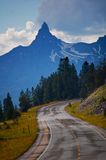Straße zum Montana-Himmel Stockbild