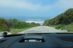 Straße zum Ozean lizenzfreies stockfoto