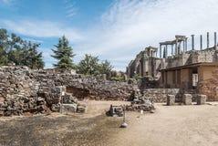 Straße zum römischen Amphitheatre Stockfotos