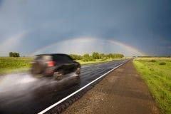 Straße zum Regenbogen. Lizenzfreies Stockbild