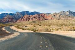 Straße zum roten Felsen-Schlucht-Naturschutzgebiet-Nationalpark, Nevada, US Stockbild